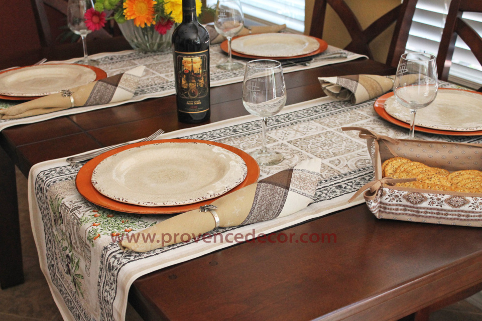Tuscany Garden French Jacquard Tapestry Table Runner